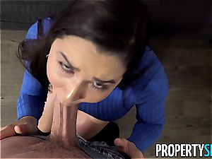 hefty ass Karlee Grey takes care of her client
