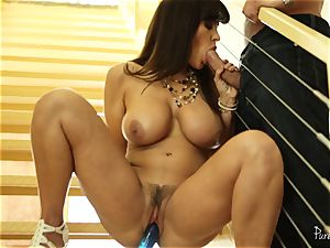 cougar Lisa Ann ate deep on the stairs