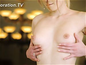 Anna the jaw-dropping teaser playing with herself