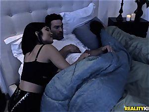 Rina Ellis surprises her guy with some joy