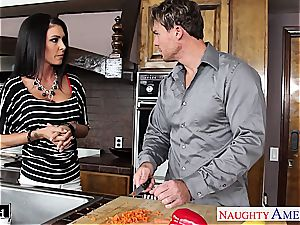 dark haired sweetie Jessica Jaymes down for a screw