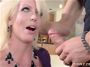 dirty milf Alura Jensen nails her daughters-in-law man
