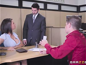 Thief delves his man sausage into supah heroine Peta Jensen