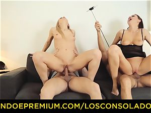 LOS CONSOLADORES - Hungarian light-haired gets plumbed point of view