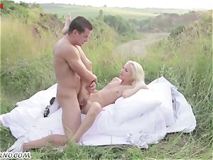 Victoria Puppy - naked hottie in nature