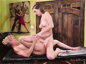 Jill Kassidy makes her hot milf client Brandi enjoy ejaculation