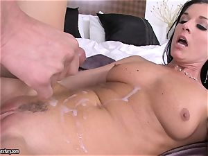 stunner India Summers receives a super-fucking-hot dump of wood sauce after porking ultra-kinky