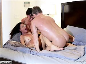 Veronica Avluv and India Summer - My dear husband, you want to attempt my friend's pussy