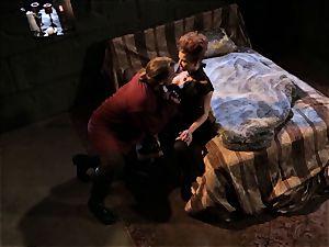 Mean stepmom Veronica Avluv gets her man