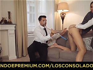 LOS CONSOLADORES - bouncy donk woman humps beau and gf
