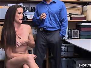 Sofie Marie squirted nuts deep by super-naughty mall cop