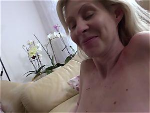 REIFE SWINGER - German mature platinum-blonde gets poon porked