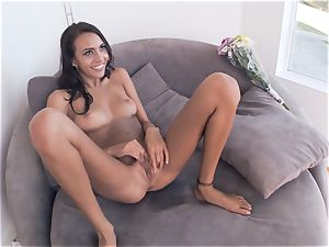 cuckold girlfriend Janice Griffith screws one after the other