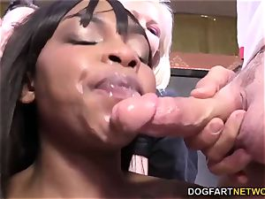 Nikki Ford Gets A Buffet Of milky cock
