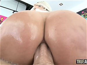 TRUE ass fucking jaw-dropping Nina Elle arse humped and creampied