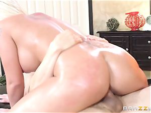 Leya Falcon cheats with her enormous dicked massagist
