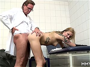 threesome anal invasion checkup for German ash-blonde
